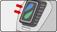 (3)クリップをエアコン送風口に差し込む